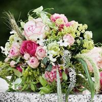 Brautstrauß Hochzeit Strauß Braut art floral pink gruen Heirat