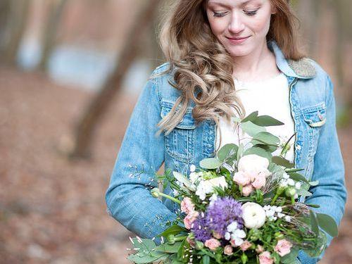 Shooting Fotoshooting art floral Blumenkranz Braut Hochzeit Gesteck schön Natur Wald